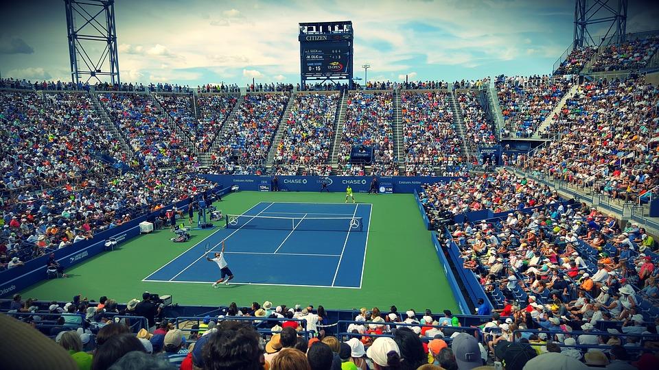 Wozniacki videre til anden runde i US Open