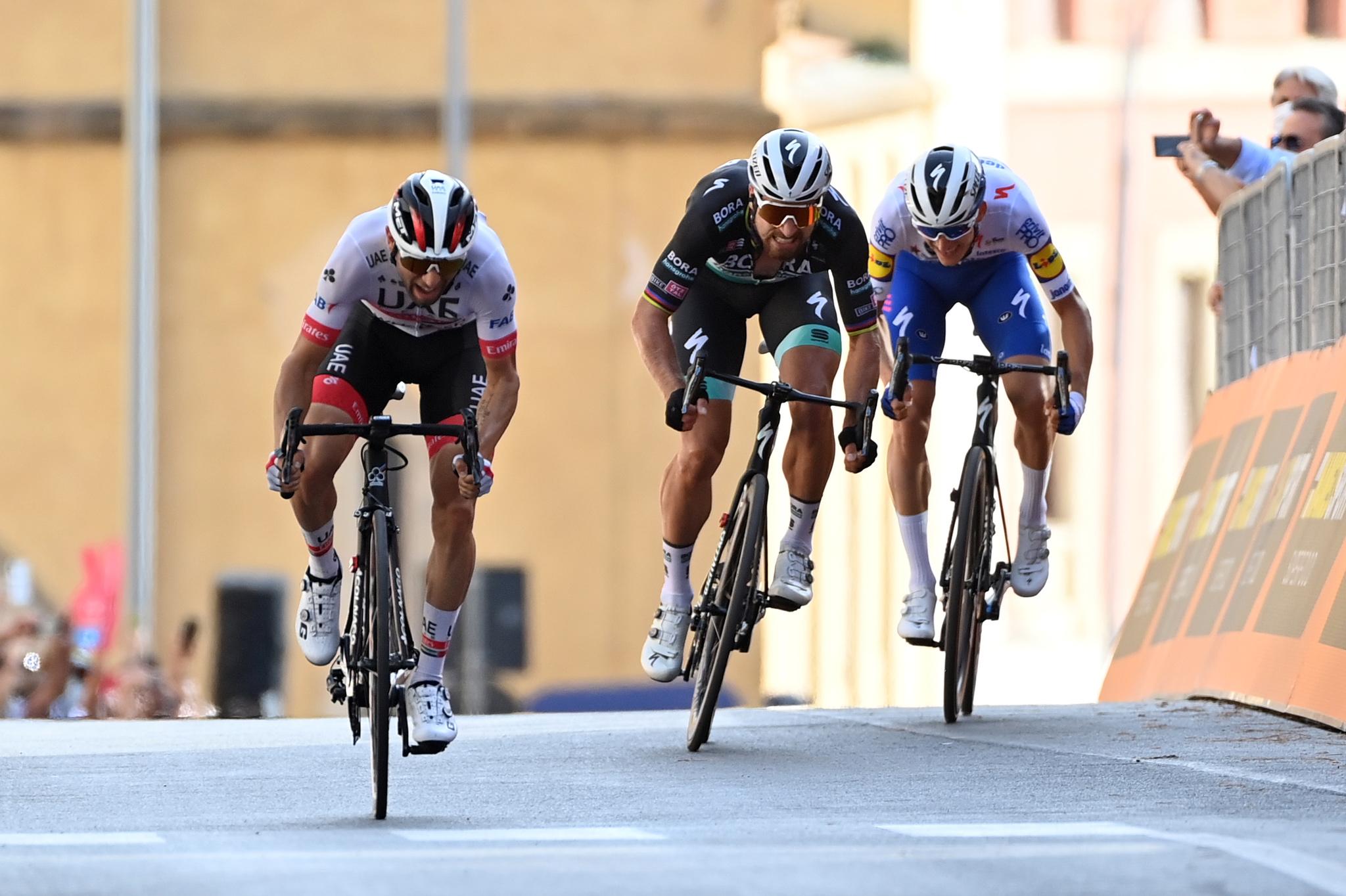 Syvende etapesejr til Diego Ulissi. Dansk tredjeplads