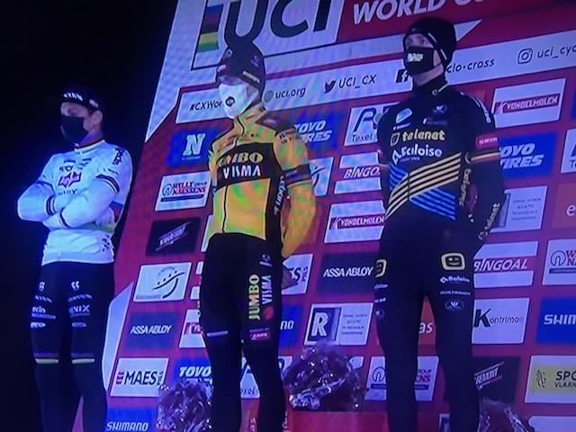 Superstjerne suveræn vinder af cyklecross World Cup