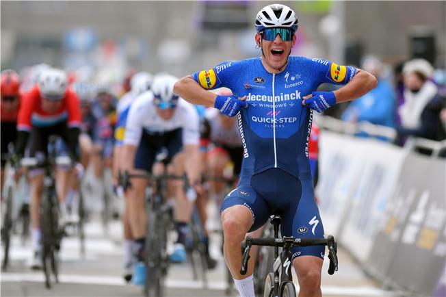 Italiensk sejr i årets første cykelklassiker