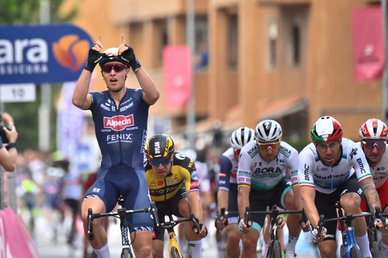 Belgisk sejr på anden etape i Giro d'Italia