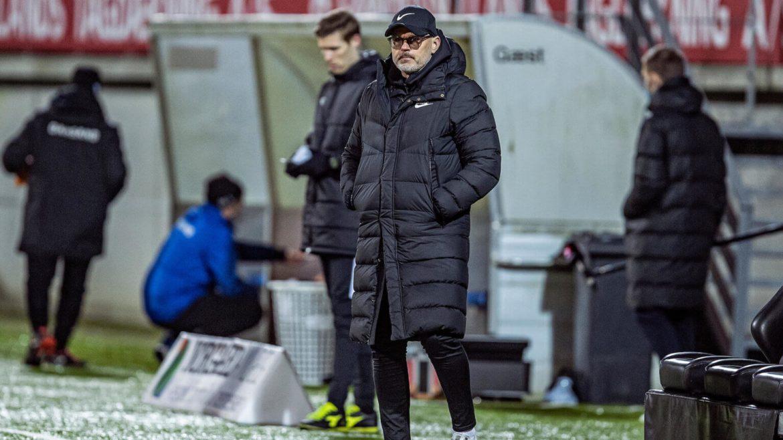 Esbjerg fB fyrer træner